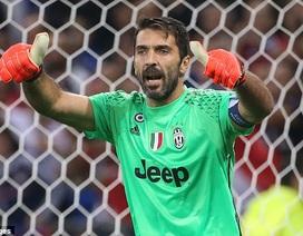Juventus - Lyon: Tấm vé trao tay