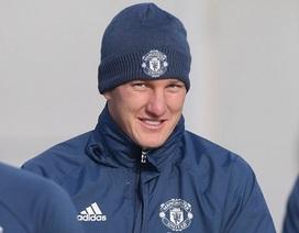 HLV Mourinho giải thích lý do gọi lại Schweinsteiger