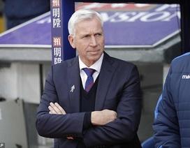 HLV thứ hai mất việc ở Premier League mùa này