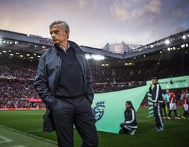 """Mourinho và MU là """"vua"""" ngày Lễ tặng quà"""