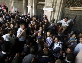 Ai Cập: Khó thay hai chữ bình yên