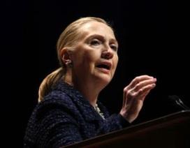 Ngoại trưởng Mỹ Hillary Clinton ngất xỉu