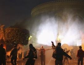Ai Cập: Đụng độ gần dinh Tổng thống, hàng chục người thương vong