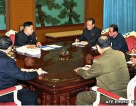 Triều Tiên thăng hàm tướng 48 sĩ quan, chuẩn bị thử tên lửa