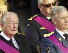 Quốc vương Bỉ thoái vị, truyền ngôi cho con trai