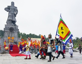 Tái hiện Nguyễn Huệ lên ngôi Hoàng đế, xuất quân đánh ngoại xâm