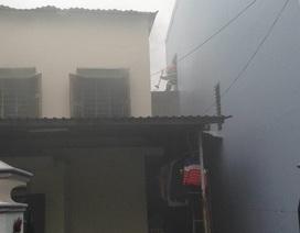 Cơ sở làm hương cháy lớn giữa trời mưa