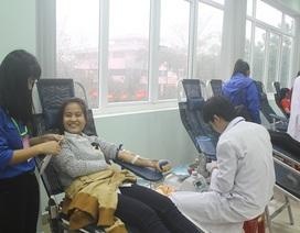 1.000 sinh viên Huế tham gia hiến máu để giúp bệnh nhân dịp Tết