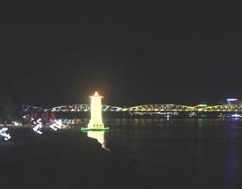 Lung linh lễ hội Đèn Quảng Chiếu bên sông Hương