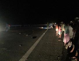 Đi bộ ban đêm, cô gái 16 tuổi đi bị xe tải đâm chết