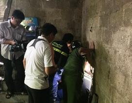 Đục tường, truyền nước giải cứu người đàn ông mắc kẹt trong cống