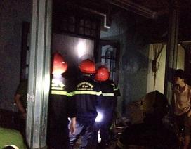 Cháy nổ tại khu trọ, nhiều người hoảng loạn tháo chạy