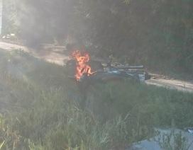 Cãi nhau, 2 vợ chồng đem đốt 2 xe máy
