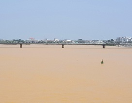 Sông Hương đục ngầu trong gần 1 tuần qua