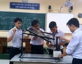 4 chàng trai giành giải đặc biệt cuộc thi sáng tạo lứa tuổi thanh thiếu niên