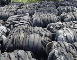 """Kiến nghị bán gần 500 container lốp cũ """"vô chủ"""", nằm """"phơi sương"""" tại cảng Cát Lái"""