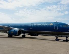 Máy bay chở 162 hành khách hạ cánh khẩn nguy tại Nội Bài