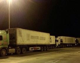 """Hàng trăm xe quá tải """"rầm rập"""" lên cao tốc Nội Bài - Lào Cai"""