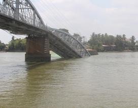 Tặng Bằng khen cho 4 cá nhân giúp đoàn tàu tránh thảm họa sập cầu Ghềnh
