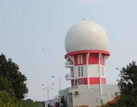 Vận hành hệ thống radar giám sát vùng trời trên núi Sơn Trà