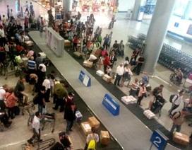 Trao trả 63 triệu đồng cho hành khách để quên ở sân bay
