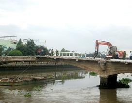 Tìm thấy thi thể công nhân rơi xuống sông khi tháo dỡ cầu 100 tuổi