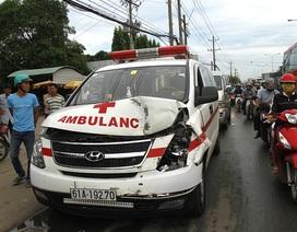 Xe cứu thương gây tai nạn liên hoàn, 5 ô tô hư hỏng