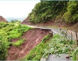 Đường sạt lở, nhà hư hỏng vì mưa lũ