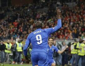 """Italia suýt bẽ mặt trước """"tí hon"""" ngay trên sân nhà"""