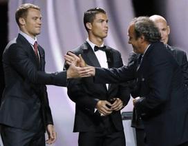 C.Ronaldo bị Chủ tịch UEFA Michel Platini phớt lờ