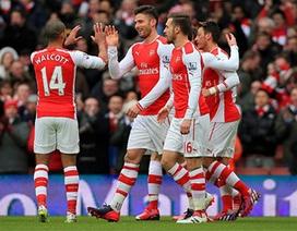 """Arsenal hạ Aston Villa với tỉ số """"một bàn tay"""""""