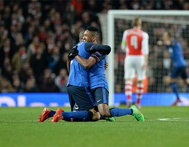 Nhìn lại trận thua đau của Arsenal tại Emirates