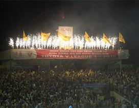 """Sân Thanh Hoá bị nhắc nhở vụ HLV Lê Thụy Hải """"lĩnh"""" chai nước"""