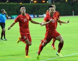 Trọng tài có đúng khi từ chối pha ghi bàn của Huy Toàn?