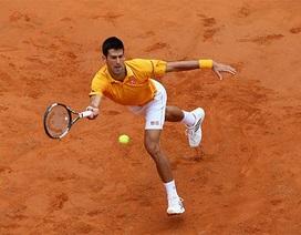"""Djokovic """"vượt ải"""" Nishikori vào bán kết"""