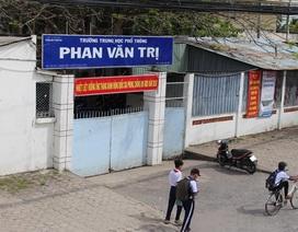 Trường bị tố ép học sinh mua sim điện thoại mới được kiểm tra môn Anh văn