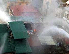 Hà Nội: Hỏa hoạn tại khu tập thể cũ trên phố Trần Quốc Toản
