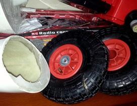 Hà Nội: Giấu ma túy trong ma-nơ-canh, lốp ô tô đồ chơi