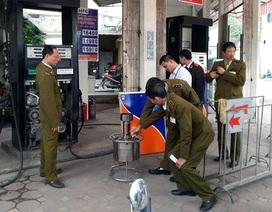Hà Nội: Phát hiện 2 cây xăng gắn chíp để gian lận