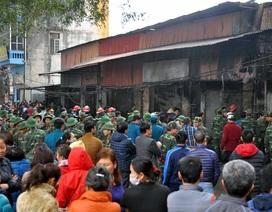 Hà Nội: Cháy lớn thiêu rụi hàng loạt ki-ốt