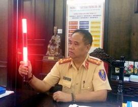 CSGT Hà Nội được trang bị áo và gậy phát sáng