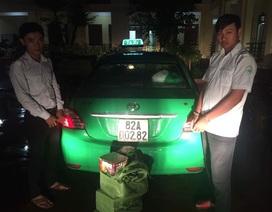 Phát hiện xe taxi Mai Linh vận chuyển gần 1 tạ pháo nổ