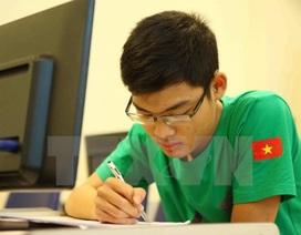 Con trai thợ sửa khóa dạo lập cú đúp HCV Olympic Toán quốc tế