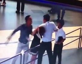 Hà Nội: Tạm đình chỉ cán bộ xô xát với nữ nhân viên hàng không