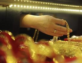 """""""Hậu"""" đấu thầu, vàng SJC vẫn cao hơn thế giới 3,5 triệu đồng/lượng"""
