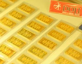 """Giá vàng """"vọt"""" qua mốc 38 triệu đồng/lượng"""