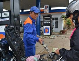 """Petrolimex """"kêu oan"""" việc lãi lớn nhờ xăng dầu"""