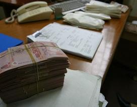 Lãi suất tiếp tục giảm, phí ngân hàng sẽ tăng?