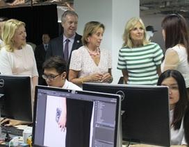 Đệ nhị phu nhân Hoa Kỳ tham quan trang thương mại điện tử tại TPHCM