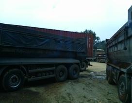 Bắt đoàn xe chở quặng quá tải đi trong đêm